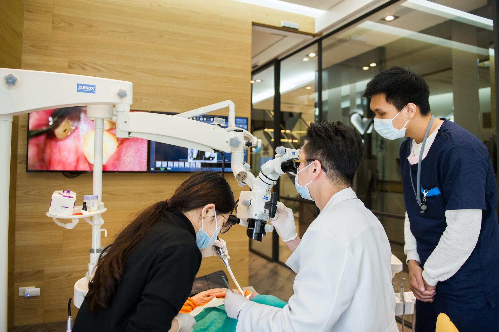 台中數位陶瓷貼片牙醫-吳國綸醫師-DSD微笑設計